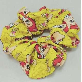 🚚 【黑人嚴選】正版迪士尼。DISNEY大腸圈。髮束。髮飾。包包頭。包子頭。奇奇蒂蒂CHIP&DALE(蒂蒂款)