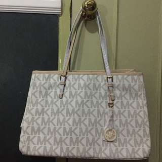 Aithentic Michael Kors Tote Bag