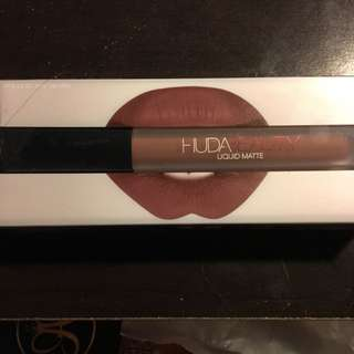 Huda Beauty Liquid Matte Lipstick