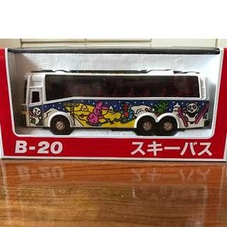 Diapet B20 巴士