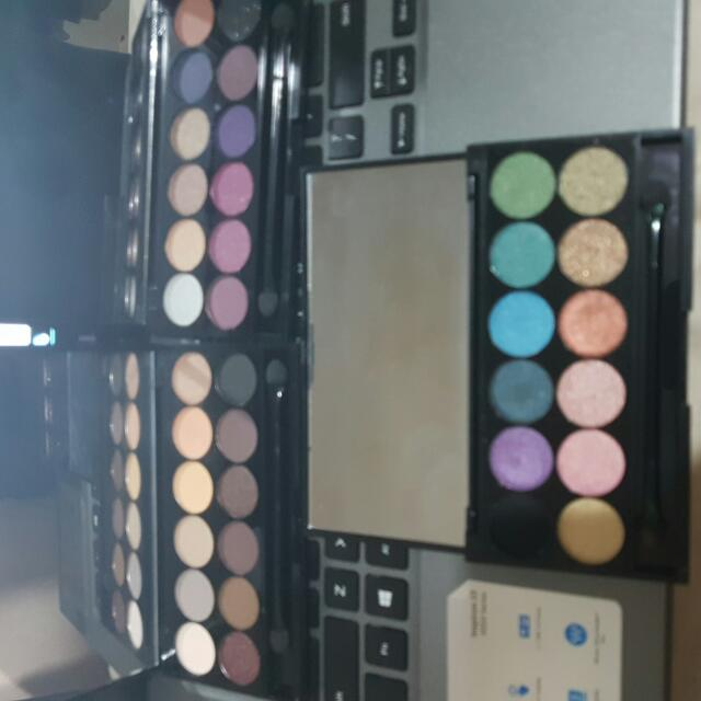 3 i-Divine Eyeshadow Palettes