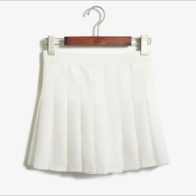 白色百摺短裙
