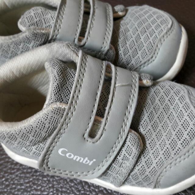 麗嬰房童鞋