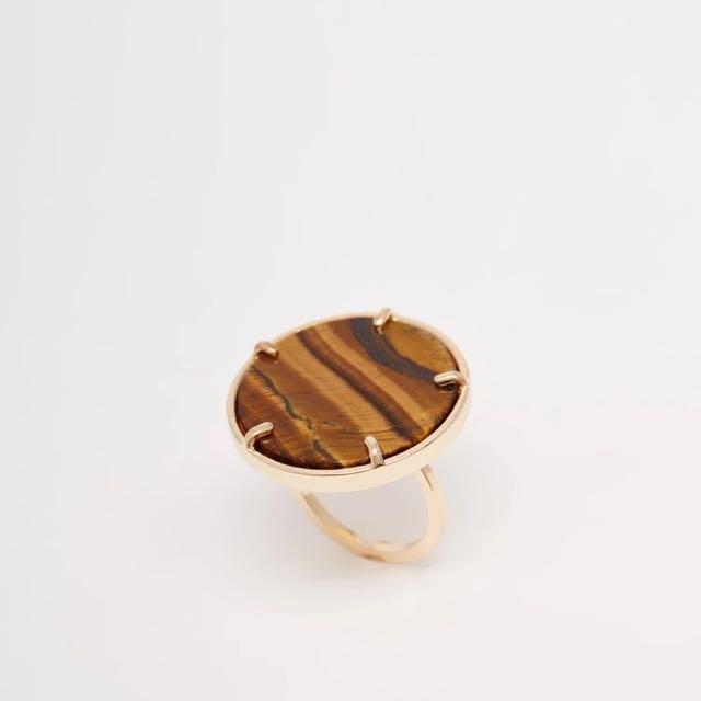 琥珀色圓形大理石戒指