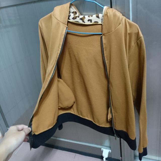 咖啡色豹紋外套