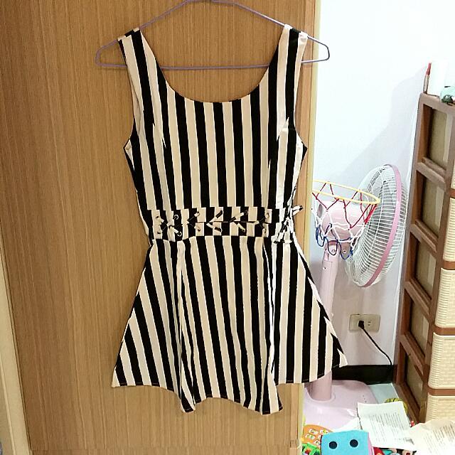 腰部特別設計短洋裝