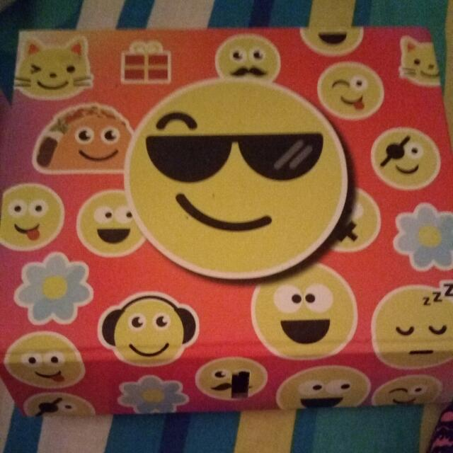 A Really Cute Emoji Box 😊
