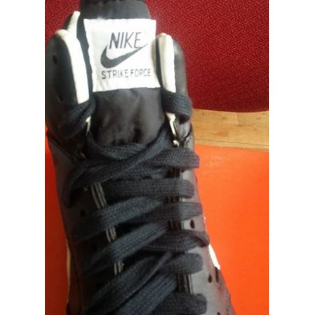 BRAND NEW Nike high cut rugby boots
