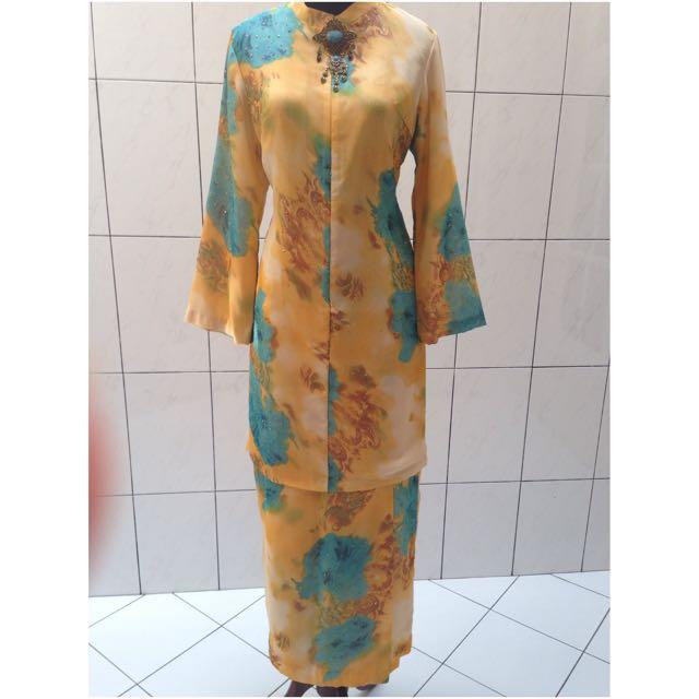 Chiffon bunga payet (baju muslim)