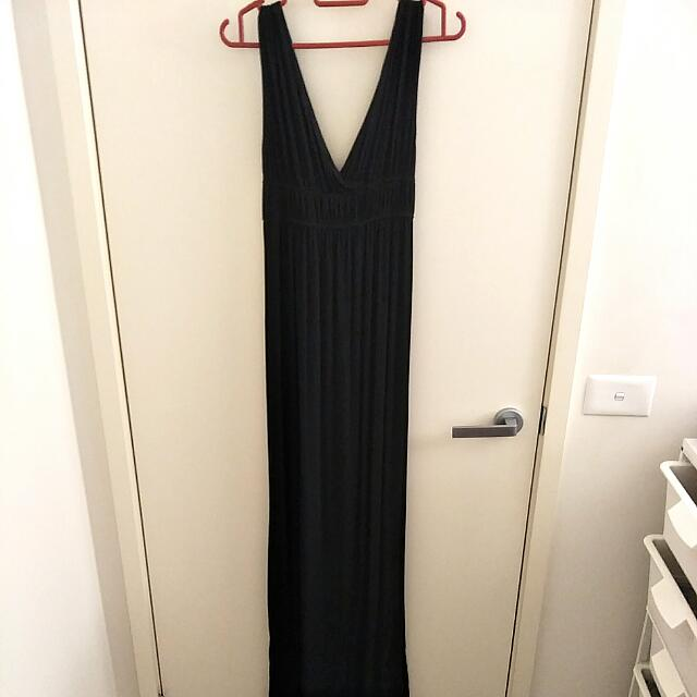 Dotti V Neck Maxi Dress Black