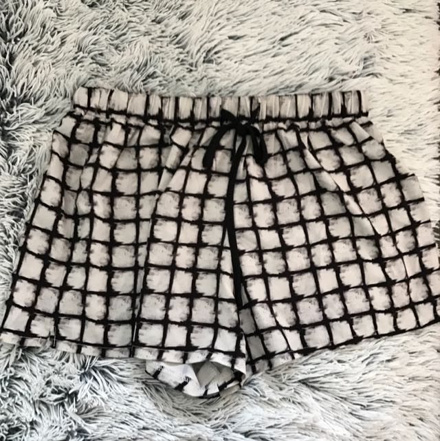 GOLDIE Shorts - Size 12