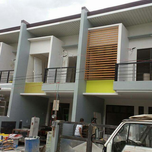 House and Lot Semi Furnish Townhouse