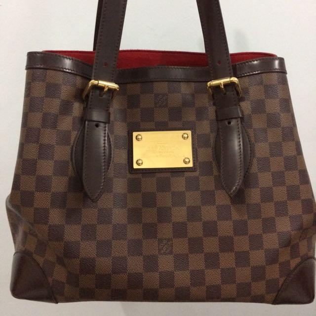 LV Shoulder Bag Like New