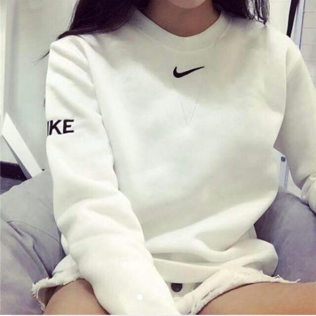 Nike字樣 大學T