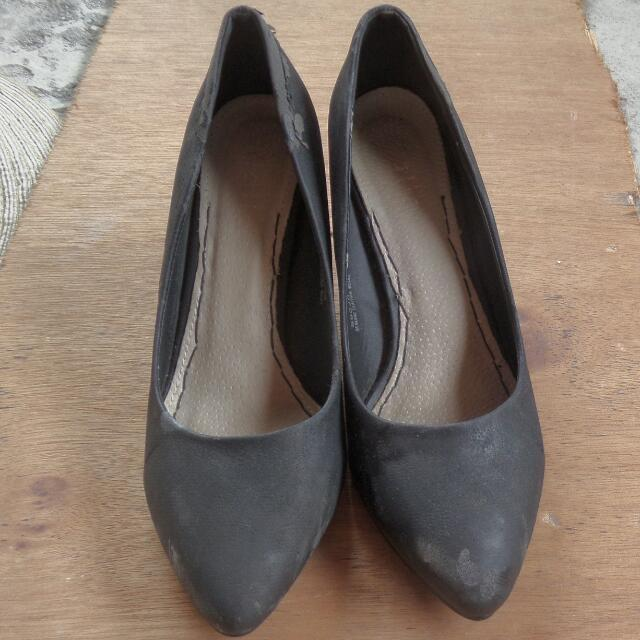 Original Figlia Black Shoes With Heels