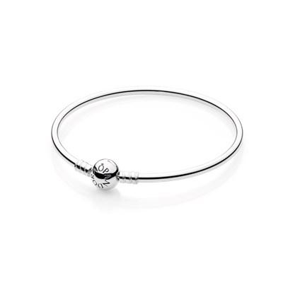 Pandora bangle bracelet (17cm)