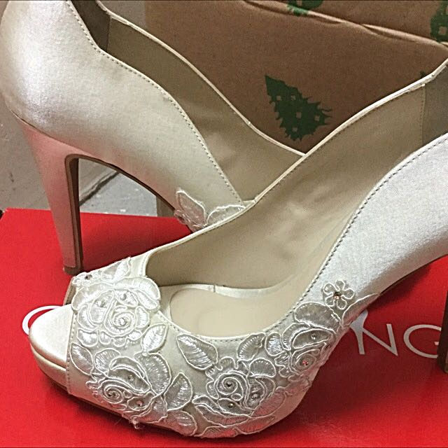 ff8a52f93b0 Pre Used Christy Ng Bridal Shoes