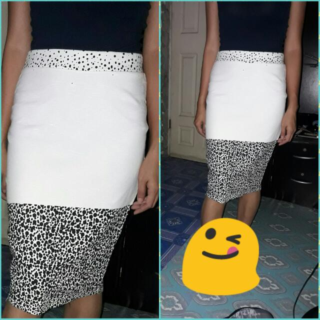 Printed Pencil Cut Skirt