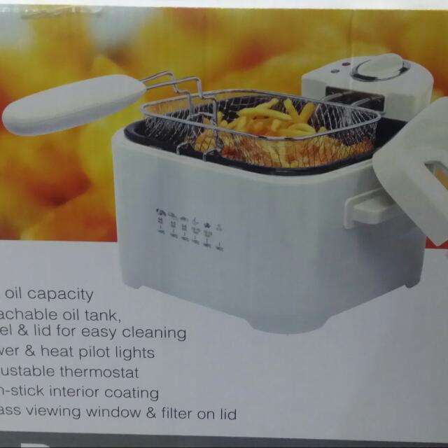 HOME COLLECTION Deep Fryer For Only 600.
