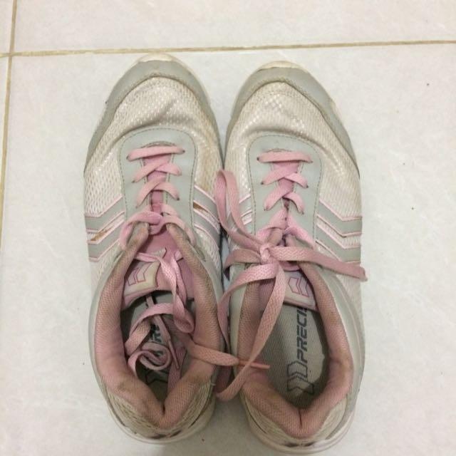 Sepatu Merk Precise