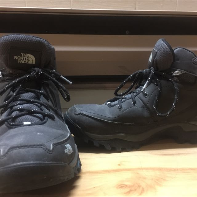 Size 10.5 - North Face Winter Boots, waterproof