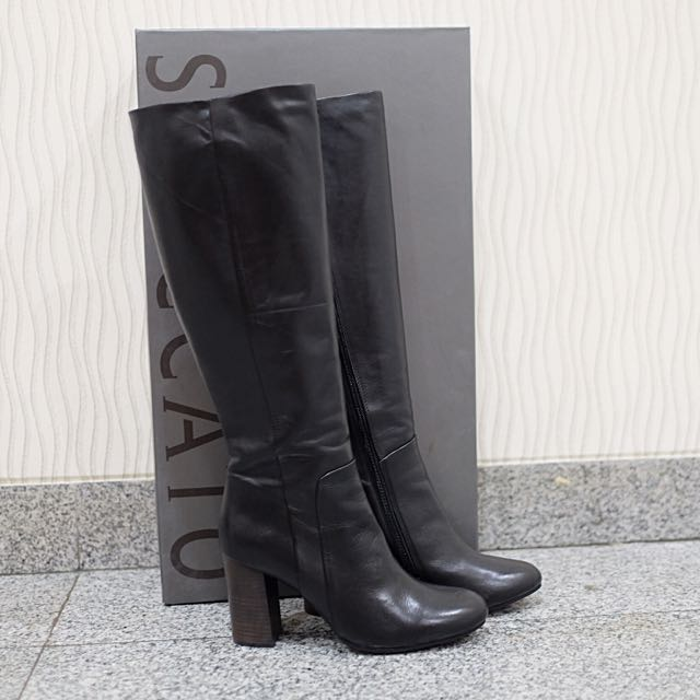 Staccato Knee boots