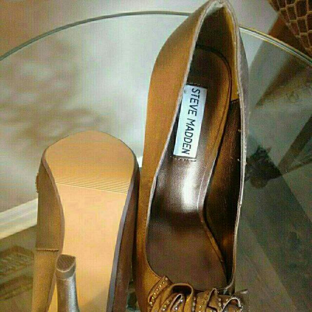 Steve Madden Designer Shoes. Ginger Style.