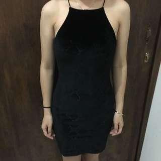 Dress Bahan Bludru H&M