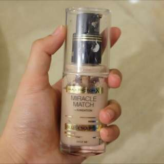 FOUNDATION by Max FactorX: Miracle Match