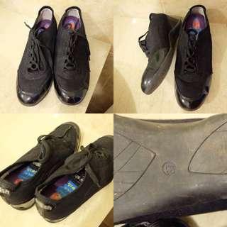 GOSH sepatu sekolah