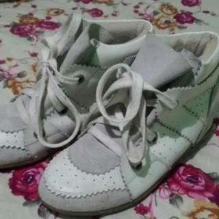 Korean Shoes WEDGE (Selling/Trade)