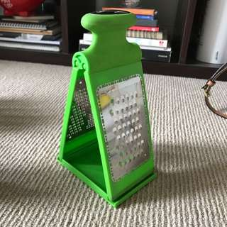 Maxwell & Williams Grater