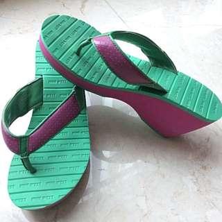 Sandal Nine west
