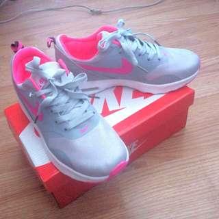 Nike Air Max Free Shipping Fee