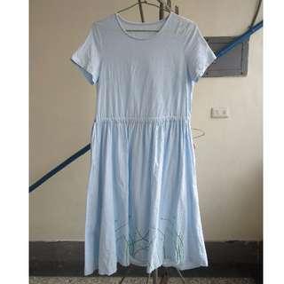 天藍短袖刺繡長洋裝