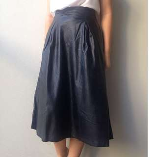 long black leather skirt