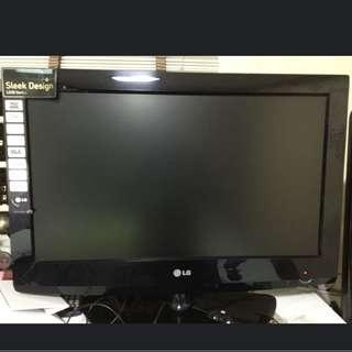 "( QUICK DEAL ) LG 26"" HD LCD TV"