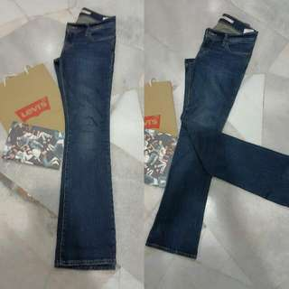 NWOT Levi's Bootcut For Her