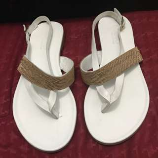 INuovo White Gold Flat Sandals