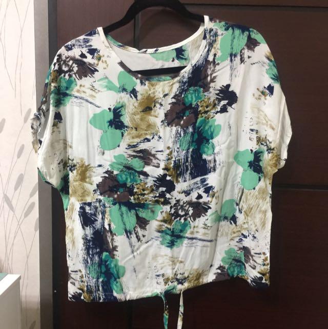 日本購入可收腰上衣