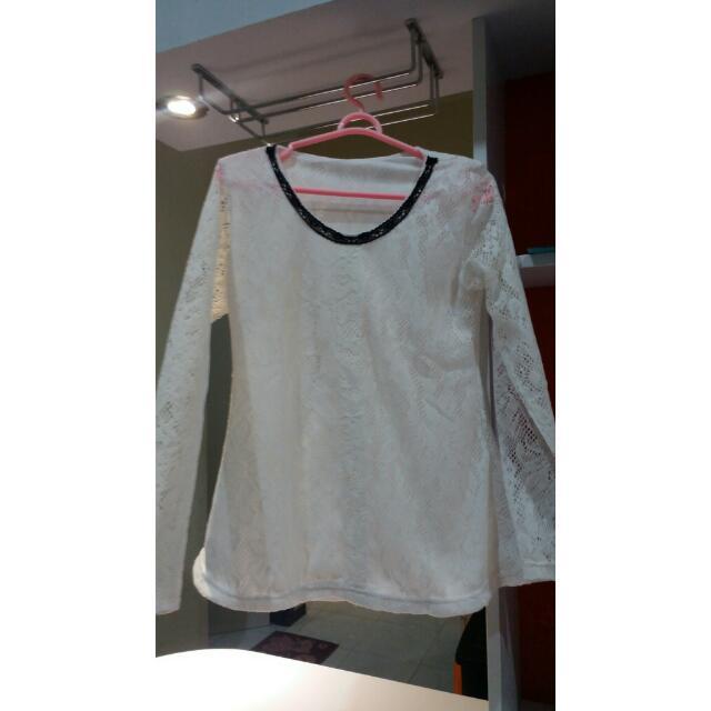 Baju Bruklat Putih