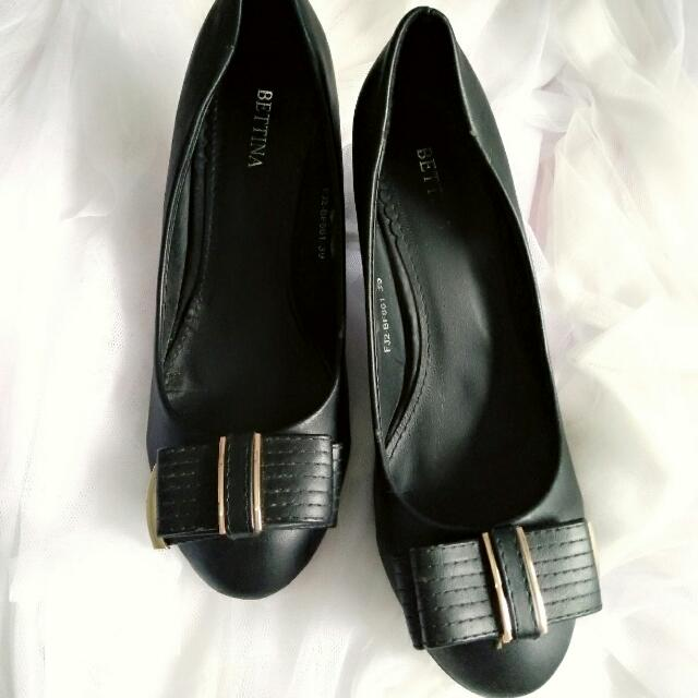 Black Shoes By Betina