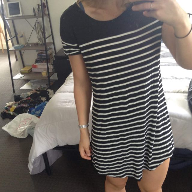 Black And White Stripe Shift Dress
