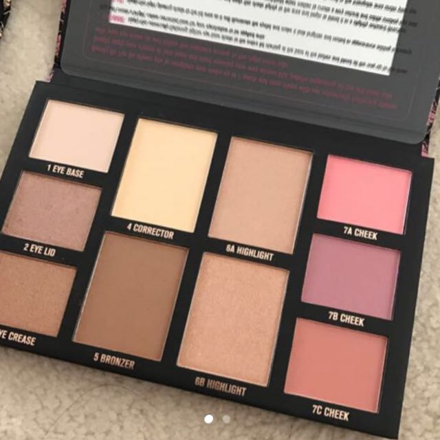 Chi Chi Beauty On The Go Palette
