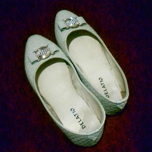 Flat shoes Delatio