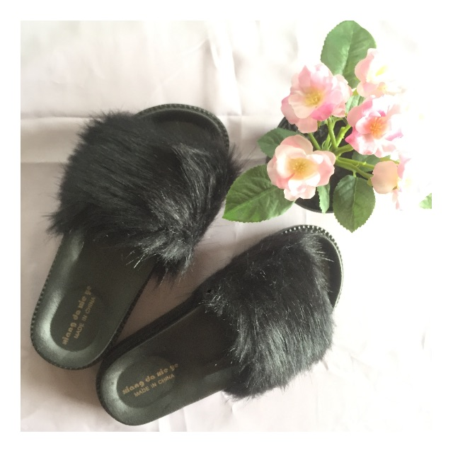 Fur Sandals Black