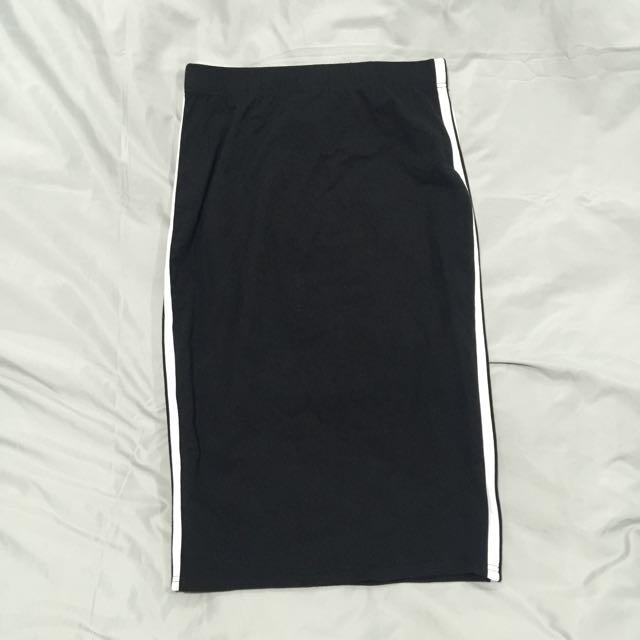 Sporty Midi Skirt - M