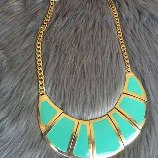 Turquoise/gold necklace