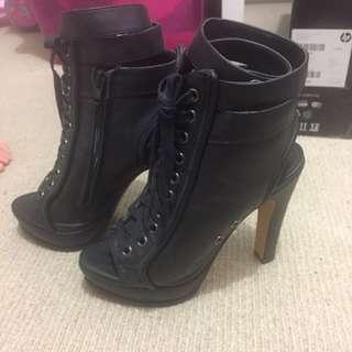 Jean Paul Heels Size 7