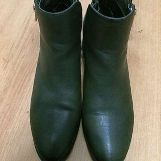 Forever21 new Olive Boots